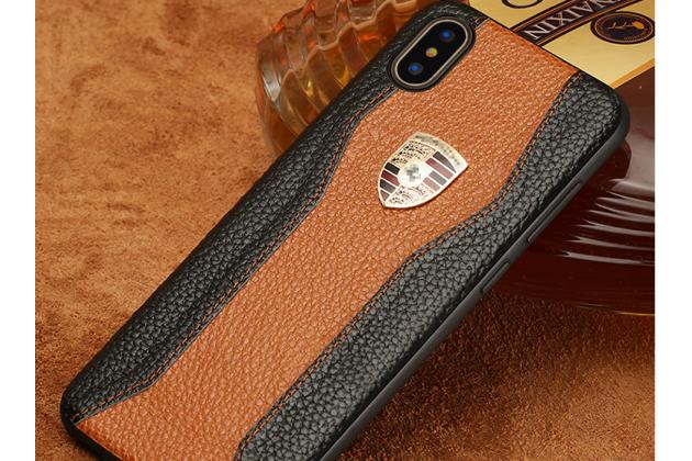 Фирменная роскошная задняя панель-крышка обтянутая импортной кожей для iPhone XS черно-коричневая