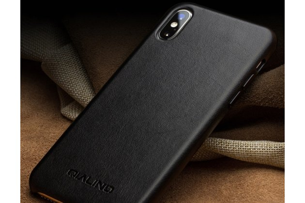 Фирменная премиальная элитная крышка-накладка из тончайшего прочного пластика и качественной импортной кожи  для iPhone XS Max  черная