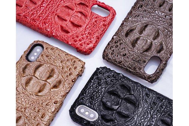 Фирменная роскошная эксклюзивная накладка с объёмным 3D изображением рельефа кожи крокодила коричневая для iPhone XR. Только в нашем магазине. Количество ограничено