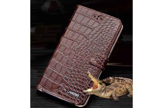 Фирменный роскошный эксклюзивный чехол с фактурной прошивкой рельефа кожи крокодила и визитницей коричневый для Philips Xenium V787. Только в нашем магазине. Количество ограничено