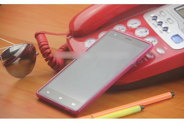 Фирменная ультра-тонкая полимерная из мягкого качественного силикона задняя панель-чехол-накладка для Philips S616 розовая