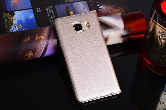 Фирменный чехол-книжка для Samsung Galaxy C5 Pro / Galaxy C5 2017 (SM-C5010) золотой с окошком для входящих вызовов и свайпом водоотталкивающий