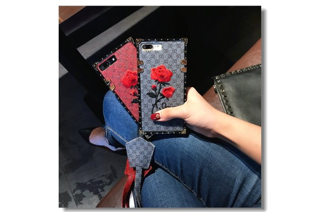 Фирменная уникальная задняя панель-крышка-накладка из тончайшего силикона для Apple iPhone X (10) с объёмной 3D вышивкой тематика Алая роза в синем цвете