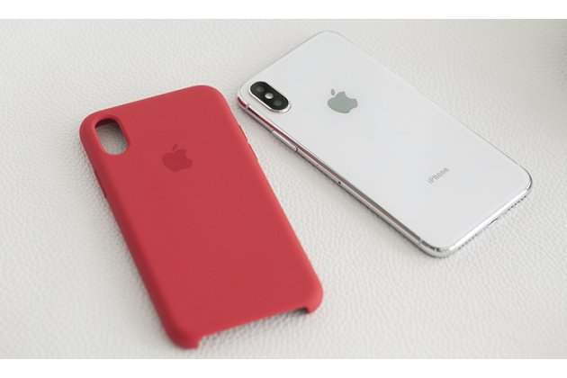 Фирменная ультра-тонкая задняя панель-чехол-накладка с логотипом для Apple iPhone X (10) полимерная из мягкого качественного силикона в красном цвете