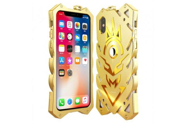 Противоударный металлический чехол-бампер из цельного куска металла с усиленной защитой углов и необычным экстремальным дизайном  для  Apple iPhone X (10) золотого цвета