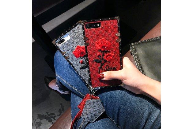 Фирменная уникальная задняя панель-крышка-накладка из тончайшего силикона для Apple iPhone X (10) с объёмной 3D вышивкой тематика Алая роза в красном цвете