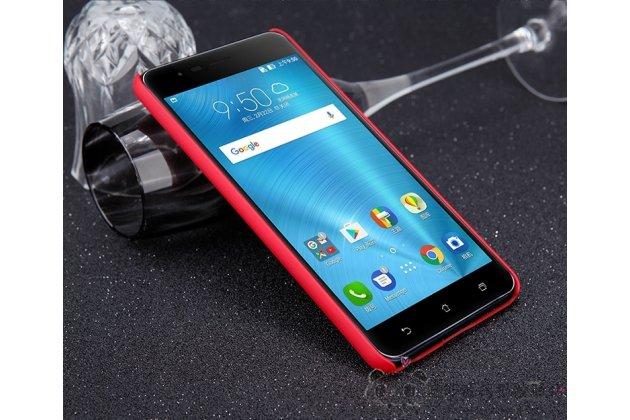 Фирменная ультра-тонкая пластиковая задняя панель-чехол-накладка для Asus ZenFone 3 Zoom ZE553KL 5.5 (Z01HDA) красная