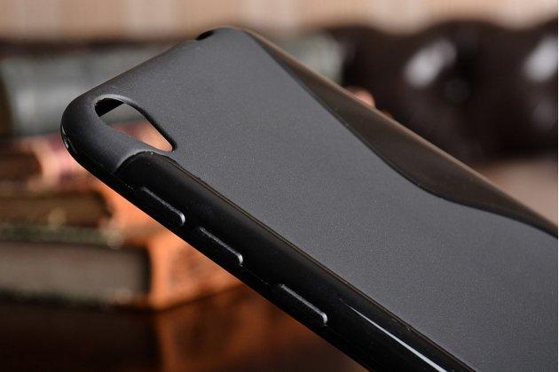 Фирменная ультра-тонкая полимерная из мягкого качественного силикона задняя панель-чехол-накладка для ASUS ZenFone Live ZB501KL Черная с волной