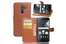 Фирменный чехол-книжка из качественной импортной кожи с подставкой застёжкой и визитницей для Blackberry DTEK60 коричневый