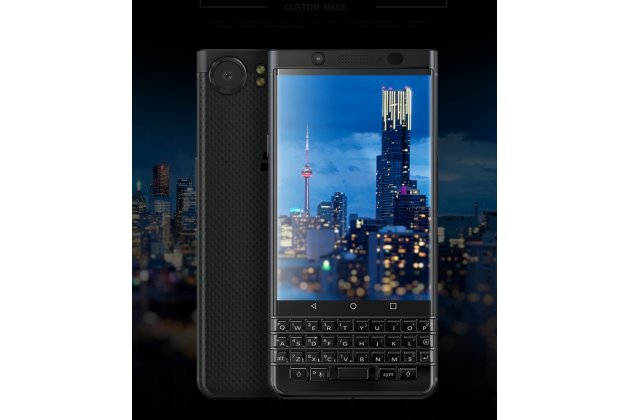 Фирменная оригинальная защитная пленка  которая  полностью закрывает экран для телефона BlackBerry KEYone/ DTEK70 глянцевая
