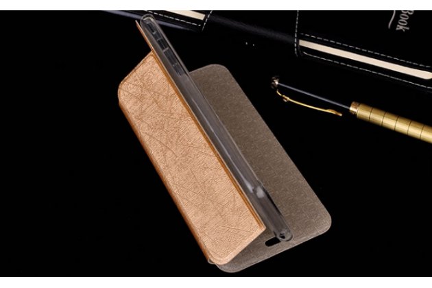 Фирменный чехол-книжка из качественной водоотталкивающей импортной кожи на жёсткой металлической основе для Highscreen Power Ice Max золотой