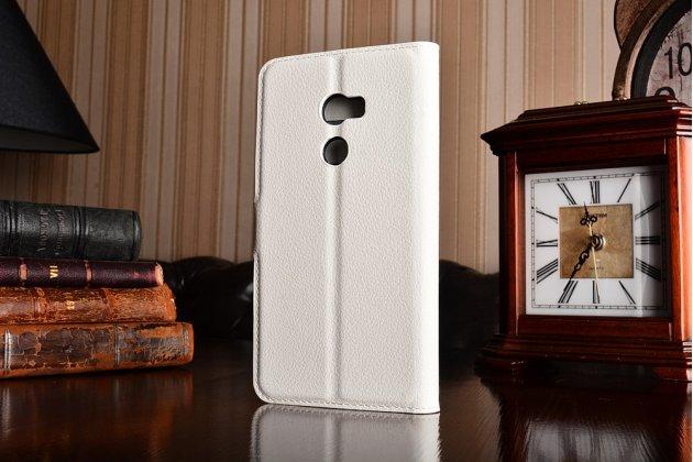Фирменный чехол-книжка из качественной импортной кожи с подставкой застёжкой и визитницей для HTC One X10 белый