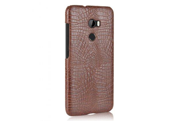 Фирменный накладка-бампер для HTC One X10 лаковая кожа крокодила коричневый