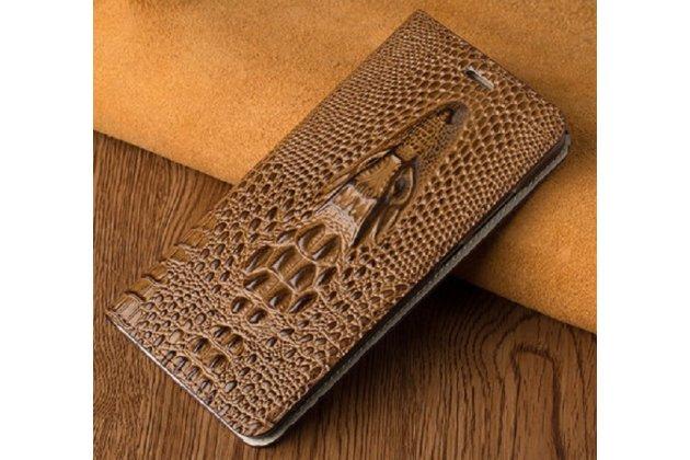 Фирменный роскошный эксклюзивный чехол с объёмным 3D изображением кожи крокодила коричневый для HTC One X10 . Только в нашем магазине. Количество ограничено