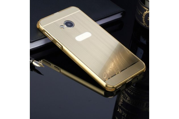 Фирменная металлическая задняя панель-крышка-накладка из тончайшего облегченного авиационного алюминия для HTC U Play золотого цвета.