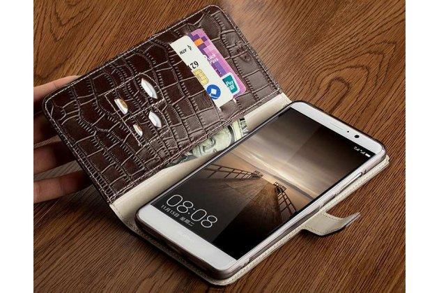 Фирменный роскошный эксклюзивный чехол с фактурной прошивкой рельефа кожи крокодила и визитницей коричневый для HTC U11 Plus. Только в нашем магазине. Количество ограничено