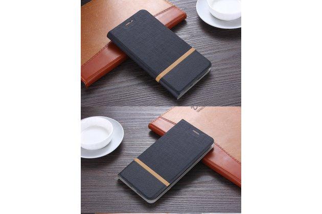 Фирменный чехол-книжка водоотталкивающий с мульти-подставкой на жёсткой металлической основе для HTC U11 Plus черный из настоящей джинсы