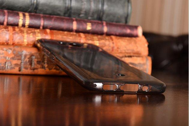 Фирменная ультра-тонкая полимерная из мягкого качественного силикона задняя панель-чехол-накладка для HTC U11 серая