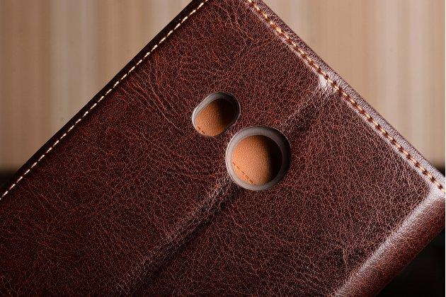 Фирменный чехол-книжка из качественной импортной кожи для HTC U11 коричневый