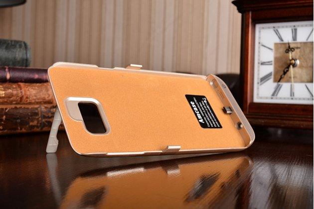 Чехол-бампер со встроенной усиленной мощной батарей-аккумулятором большой повышенной расширенной ёмкости 10000 mAh для Huawei Ascend G8 (RIO-AL00 /D199) золотой + гарантия