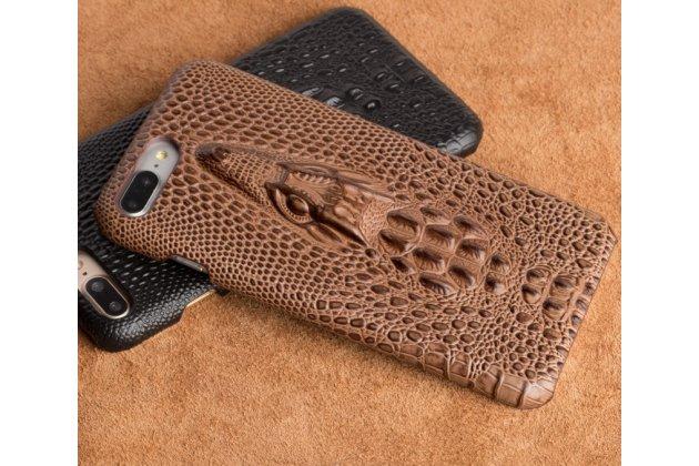 Фирменная роскошная эксклюзивная накладка с объёмным 3D изображением рельефа кожи крокодила коричневая для Huawei Honor 9. Только в нашем магазине. Количество ограничено