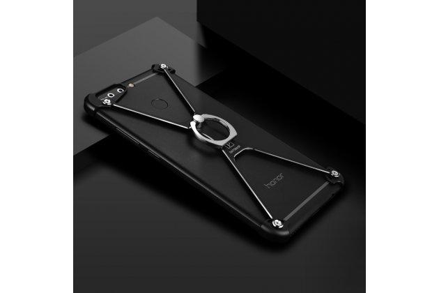 Противоударный металлический чехол-бампер из цельного куска металла с усиленной защитой углов и необычным экстремальным дизайном  для  Huawei Honor 9 черного цвета