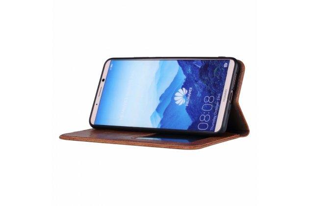 Фирменный чехол-книжка из качественной импортной кожи с визитницей и мультиподставкой для Huawei Mate 10 Pro коричневый с элегантной прошивкой