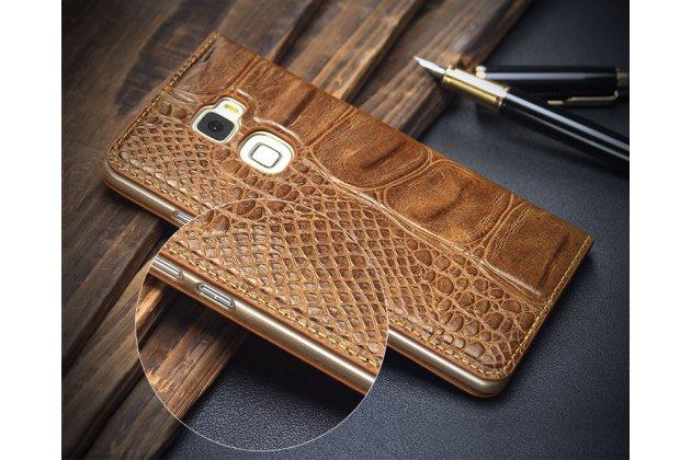 Фирменный роскошный эксклюзивный чехол с фактурной прошивкой рельефа кожи крокодила с окошком для входящих вызовов коричневый для Huawei Mate S 5.5 (CRR-UL00) Только в нашем магазине.