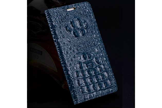 Фирменная роскошная эксклюзивная накладка с объёмным 3D изображением рельефа кожи крокодила синяя для Huawei nova 2 . Только в нашем магазине. Количество ограничено