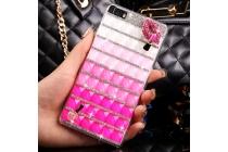 Фирменная роскошная элитная пластиковая задняя панель-накладка украшенная стразами кристалликами и декорированная элементами для Huawei P8 Lite  розовая