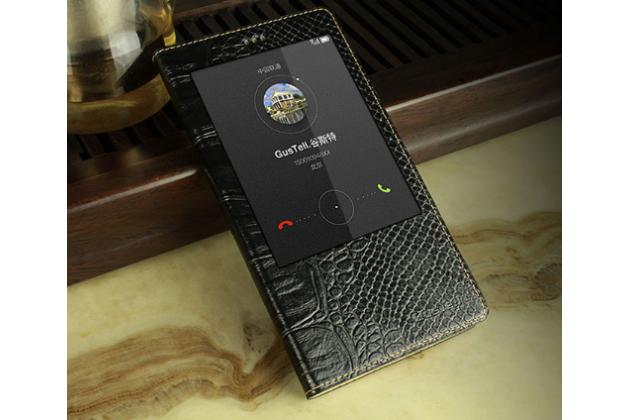 Фирменный роскошный эксклюзивный чехол с фактурной прошивкой рельефа кожи крокодила с окном для входящих вызовов черный для Huawei P8 max . Только в нашем магазине.