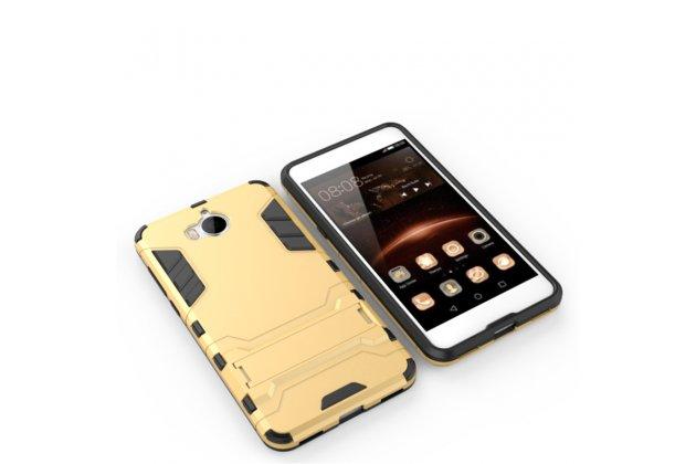 Задняя панель-крышка из прочного пластика с матовым противоскользящим покрытием для Huawei Y5 2017 (MYA-AL10 / MYA-U29) / Huawei Honor 6 Play с подставкой в золотом цвете