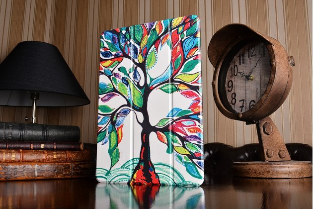Фирменный необычный чехол для iPad Pro 10.5 тематика книга Сказочное Дерево