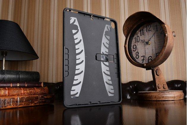 Противоударный усиленный ударопрочный фирменный чехол-бампер-пенал для iPad Pro 10.5 черный