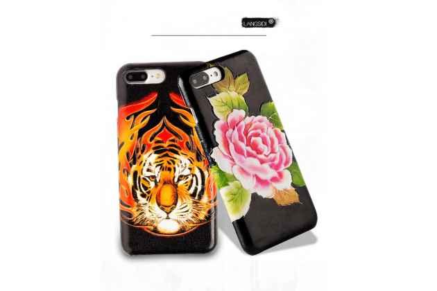 Фирменная роскошная эксклюзивная накладка с фактурным дизайном из натуральной кожи тематика Тигр для iPhone 7 / iPhone 8.