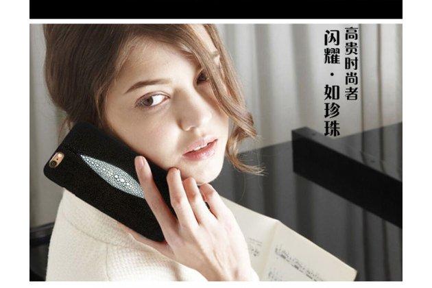 Фирменная роскошная эксклюзивная накладка из натуральной рыбьей кожи СКАТА (с жемчужным блеском) чёрный для Lenovo К6 Note 5.5 (K53A48). Только в нашем магазине. Количество ограничено