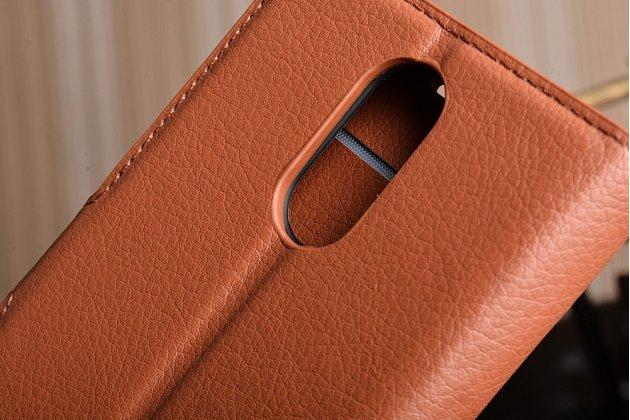 Фирменный чехол-книжка из качественной импортной кожи с подставкой застёжкой и визитницей для LG K10 (2017) M250 коричневый