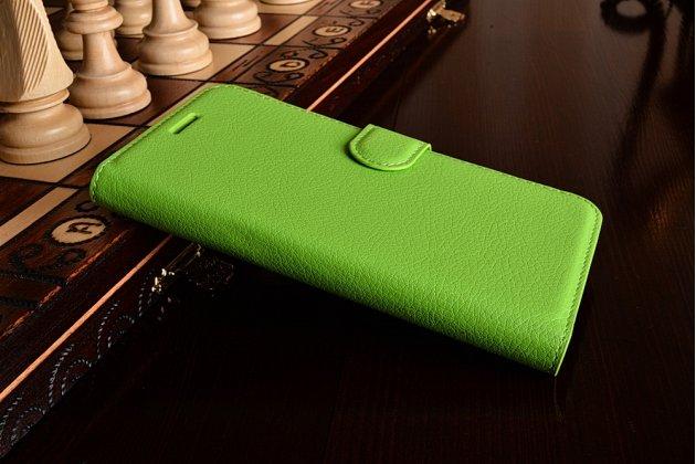 Фирменный чехол-книжка из качественной импортной кожи с подставкой застёжкой и визитницей для LG K10 (2017) M250 зеленый
