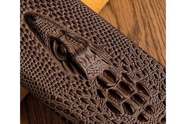 Фирменная роскошная эксклюзивная накладка с объёмным 3D изображением рельефа кожи крокодила коричневая для LG V30  Plus. Только в нашем магазине. Количество ограничено