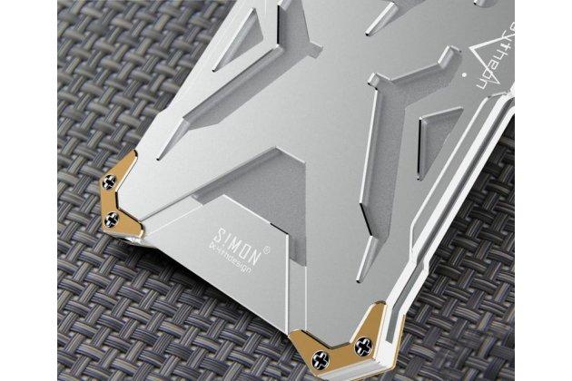 Противоударный металлический чехол-бампер из цельного куска металла с усиленной защитой углов и необычным экстремальным дизайном  для  Samsung Galaxy A5 SM-A520F (2017) серебристого цвета