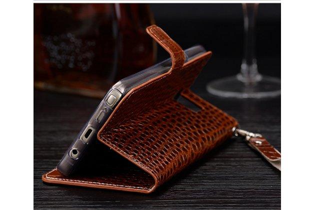 Фирменный роскошный эксклюзивный чехол с фактурной прошивкой рельефа кожи крокодила и визитницей коричневый для Xiaomi Mi Note 2. Только в нашем магазине. Количество ограничено