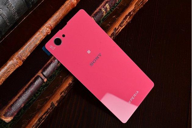 Родная оригинальная задняя крышка-панель которая шла в комплекте для Sony Xperia Z1 Compact D5503 / Z1S/M51w розовая