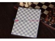 Фирменный чехол-обложка для iPad 2/3/4 new в клетку белый кожаный..